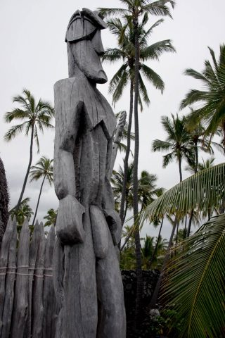 Ki'i guardian of refuge, Pu'uhonua o Honaunau, Big Island