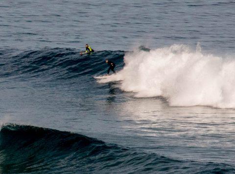 Castle Cove surfers, Great Ocean Road