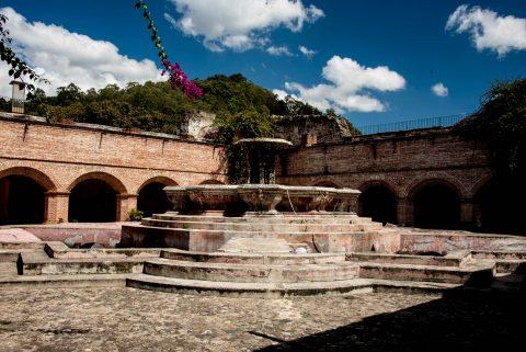 Cloister foountain, La Merced, Antigua