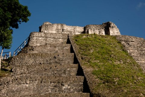 Temple 216, Yaxha