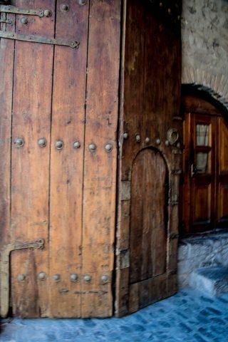Caravanserais doorway, Sheki