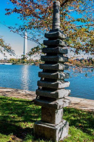 Washington Monument and Japanese pagoda, Washington DC