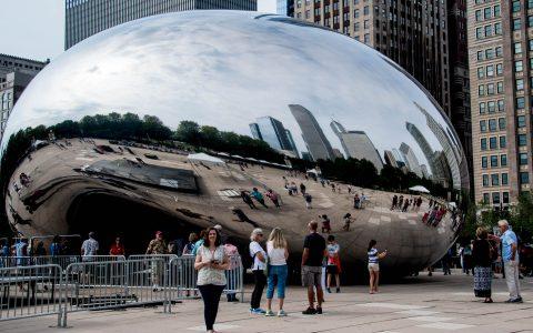 Cloud Gate sculture by Anish Kapoor, Millennium Park, Chicago