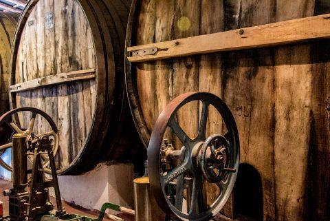 Bodega La Banda - oak barrel - Cafayate, Argentina