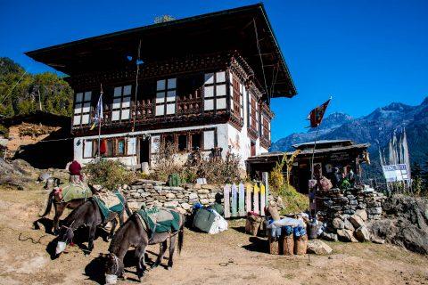 Trek to border, Drukyel Dzong, Bhutan
