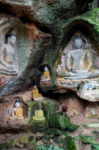 Buddhas, Phnom Santuk
