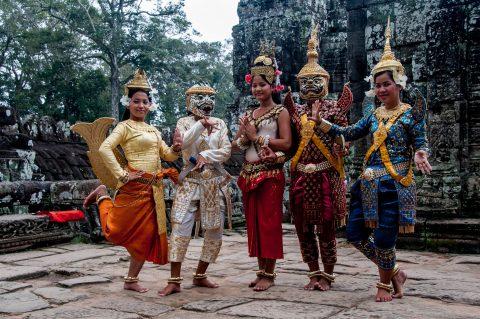 Dance troupe, Bayon temple, Angkor Wat