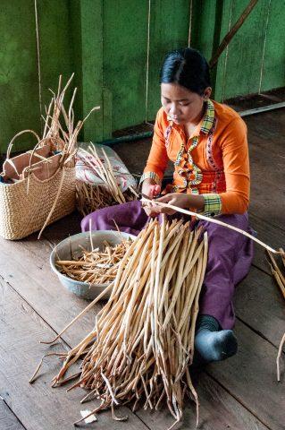 Water hyacinth weaving, Tonle Sap lake