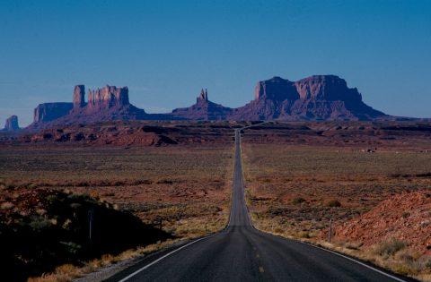 Monument Valley road, Utah (2004)